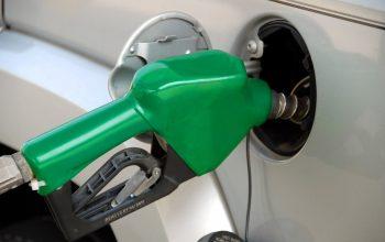 pumping_gas_fuel_pump_industry_gas_station_gasoline_oil-518533.jpg!d